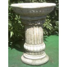 Windsor Medium Bird Bath