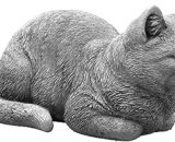 Massive stone figure cat for room or garden decoration, made of stone cast, frost-resistant